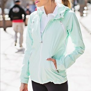 Lululemon workout / rain jacket